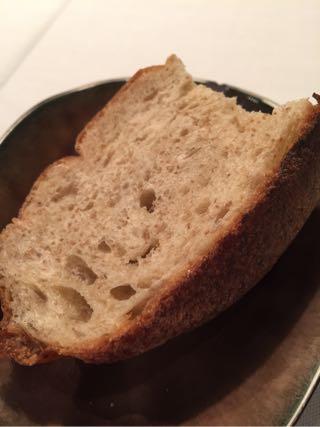 パンのお代わりは自由